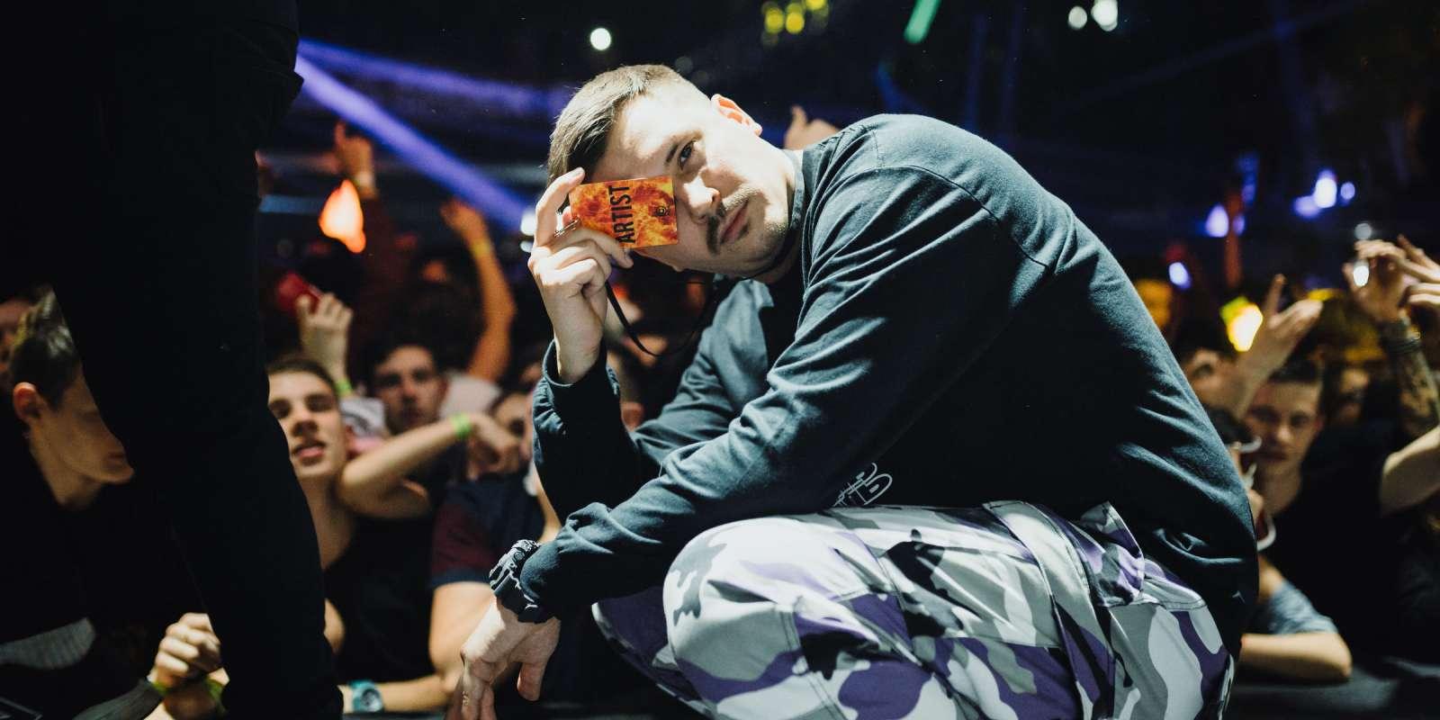 Клуб тусе москва видео драка в ночном клубе с охраной